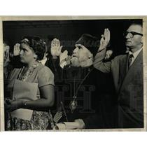 1963 Press Photo 500 Attend Citizenship Ceremony - RRW56043