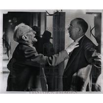 1953 Press Photo Communists Trial People Talk Corridor - RRW90711