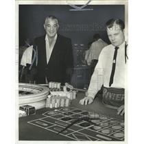 1964 Press Photo Chas Charles Harrison Gambler game - RRW31819