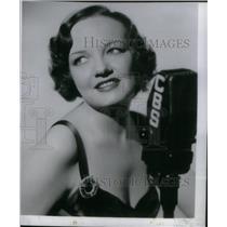 1939 Press Photo Betty Garde - RRX47045