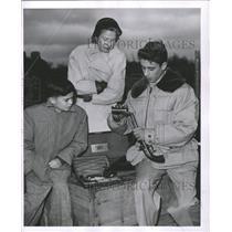 1952 Press Photo David Prucher Loads Pistol - RRW48249