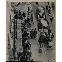 1943 Press Photo Los Angeles Air-Raid Shelter - RRX73549