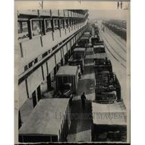 1946 Press Photo St. Paul Minnesota Pigs Market Traffic - RRX73887