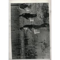 1992 Press Photo Wildlife Volunteer Wetlands - RRW96885