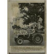 1969 Press Photo Washington US Capital Building Tractor - RRW22731