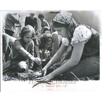 1974 Press Photo Boy and Girl Scouts Planting Trees - RRV89409