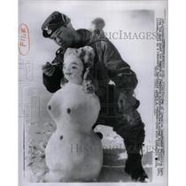 1957 Press Photo Deep Freeze Lynn Albema Operation Fret - RRX35165