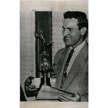 1952 Press Photo Rev Robert Richards Pole Vaulter - RRW73759