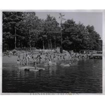 1959 Press Photo YMCA Camp Sears Lake Swimming Time Fun - RRW91543