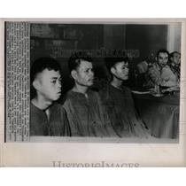 1964 Press Photo Viet Cong Prisoners Presented To Press - RRX80295