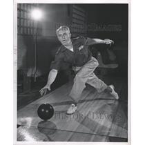 1947 Press Photo Cass Schlaff American Bowler - RRW30905