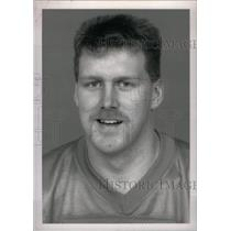 1992 Press Photo John Derby Detroit Lions Linebacker - RRX39249