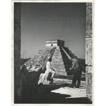 1951 Press Photo Yucatan Mexico Mayan Chechen Structure - RRX89331