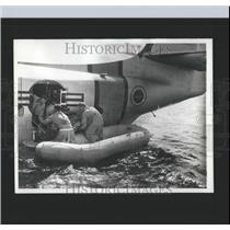 1963 Press Photo Pararescue Men MATS Simulated Rescue - RRX98707