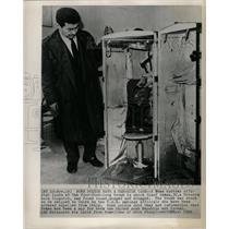 1964 Press Photo Spy, Josef Dahan, Found In Trunk - RRX69799