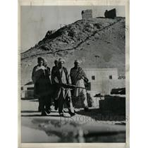 1955 Press Photo Pakistan Pushtoon Youth Gun - RRX65041