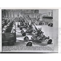 1956 Press Photo Red Anti-Aircraft Guns Warsaw Ceremony - RRX99259