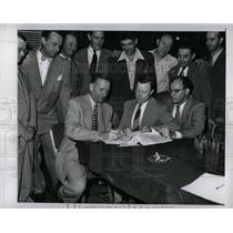 1950 Press Photo Ford Motor Co/Labor Union Contract/CIO - RRY71679