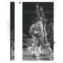 1987 Press Photo Kevin McHale Boston Celtics - RSC28155