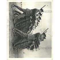 1935 Press Photo Britain Infantry Alder shot England - RRX95187