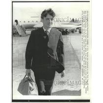 1970 Press Photo John M. Sweeney Viet Cong Defector - RRW28281