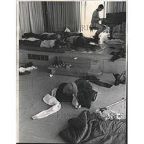 1970 Press Photo Players Sleeping at Hockey Marathon - RRW40089