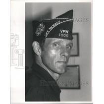 1988 Press Photo Bob Cherney Professor & Veterans of Foreign Wars
