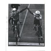 1991 Press Photo Renee Duprel Julie Ann Gregg Cycling - RSC27461