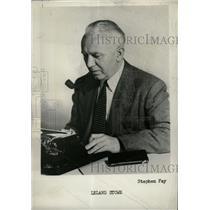 1957 Press Photo Reporter Leland Stowe - RRW71371