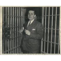 1943 Press Photo Spy Dr Otto Willumheit Of Chicago Serves 20 Yrs - RSC46953