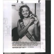 1949 Press Photo Fredda Duncombe Linda Lukens National Spot Queen Jack Lynch