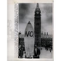 1963 Press Photo Canadian peace congress Member Nuclear - RRX72079