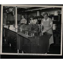 Press Photo Kitchen La Rabida Hospital Chicago - RRW58543