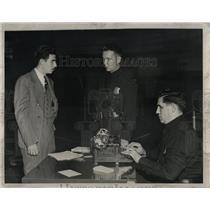 1948 Press Photo PTR. WALTER WILCZYNSKI DETROIT POLICE - RRW83437