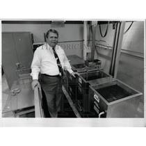 Press PhotoGeorge Barmann Co dishwasher Baxter Mueller - RRW92415