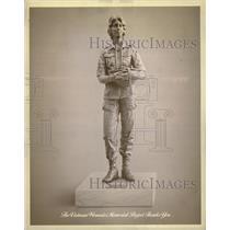 Vietnam Veterans Memorial Statue - RRW23013