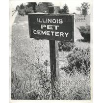 1953 Press Photo Sign For Illinois Pet Cemetery - RRW39023