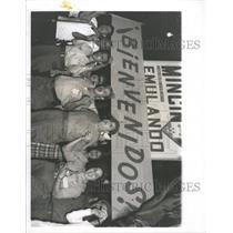 1963 Press Photo Cubans Singing The Internationale - RRX90441
