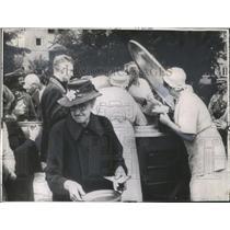 1944 Press Photo Berlin residents fed kitchens German - RRX82951