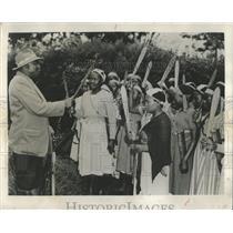 1955 Press Photo Icamara Kenya Women Weapons Terrorist