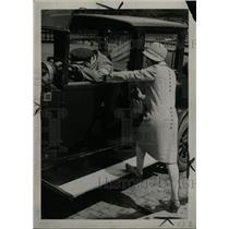 1930 Press Photo Paris France Taxicab Driver - RRX64631