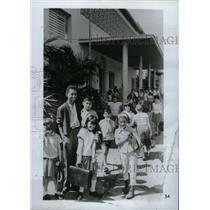 1967 Press Photo Childrem leave a model school in Pinar - RRW74695