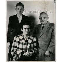1951 Press Photo Ernest Wehner Mrs. Paul Displaced - RRX70295