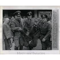 1961 Press Photo Police arrest Protesters Bonn - RRW53081