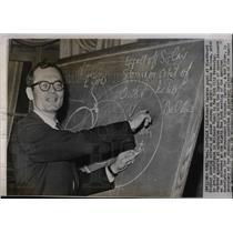 1960 Press Photo Robert Jastrow,scientist - RRW06703