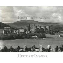Press Photo Wales Conwy Castle River - RRX84057