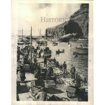 1944 Press Photo Vestmanna Island Cod Fishing Iceland - RRX87141