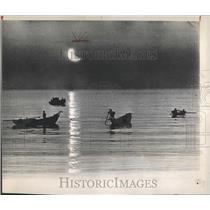 PRESS PHOTO JAPANESE BOATMEN FISHING MOONLIGHT - RRX81859