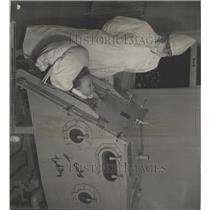 1937 Press Photo Respirometer Denver Hospital - RRX93157