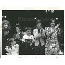 1989 Press Photo Winnetka children handgun ban Village - RRY14225